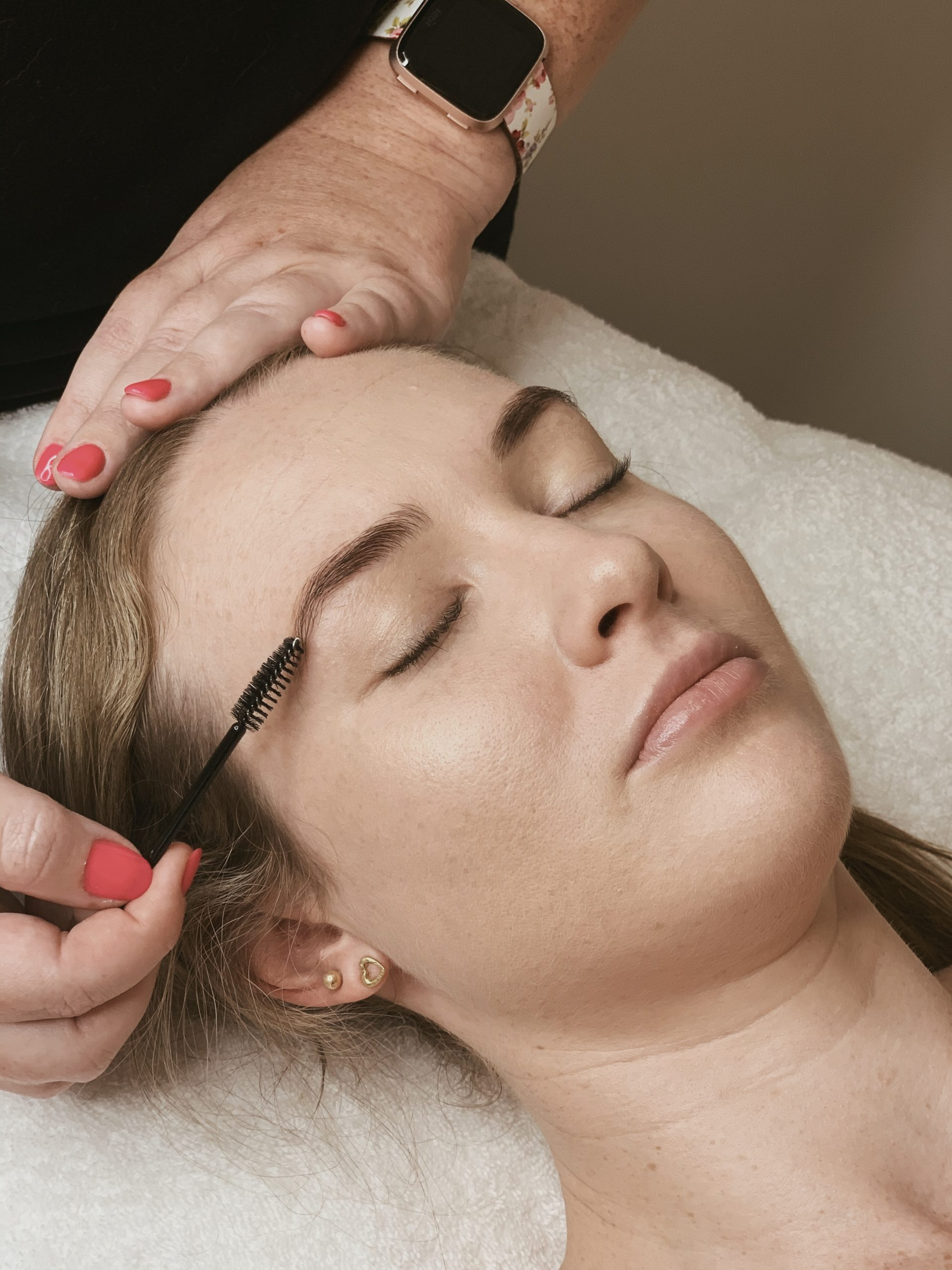 brows-pampered-by-amy-hervey-bay